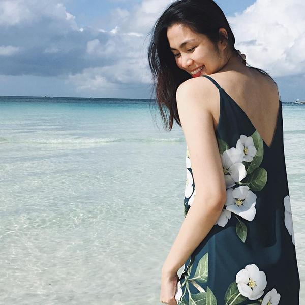 Điệu đàng trong chiếc váy hai dây floral