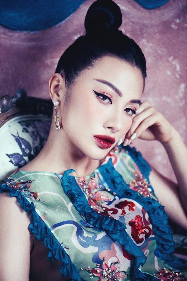 Đâu chỉ biết cởi đồ gợi cảm, Yaya Trương Nhi cũng ma mị liêu trai đầy nghệ thuật