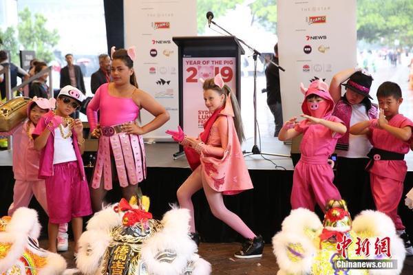 Không chỉ trẻ em gốc Hoa đang sinh sống tại Úc mà ngay cả những bạn nhỏ người Úc cũng rất hào hứng khi tham gia lễ hội này.
