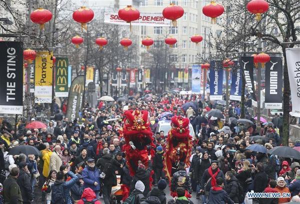 Vào ngày 2/2, một cuộc diễu hành như một phần của lễ hội mùa xuân 2019 đã diễn ra tại thành phố Antwerp của Bỉ. Lễ hội được tổ chức bởi cộng đồng người Trung Quốc sinh sống tại Bỉ và cư dân thành phố Antwerp để chào đón Tết cổ truyền.