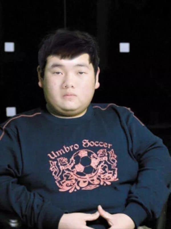 """Không thể tưởng tượng được đây chính là Xuân Trường, có vẻ như các """"fanti"""" đã xuống tay hơi nặng với chàng đội trưởng U23 Việt Nam rồi."""