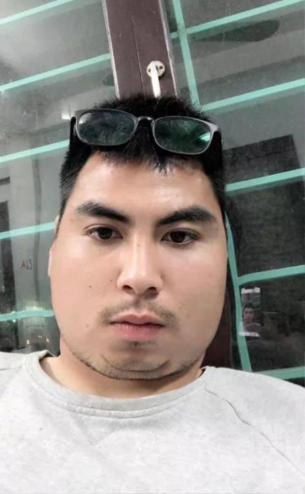 """""""Hoàng tử Dubai"""" Đức Huy vốn đã bị gọi là """"con sâu róm béo ị"""" nay lại càng béo hơn."""