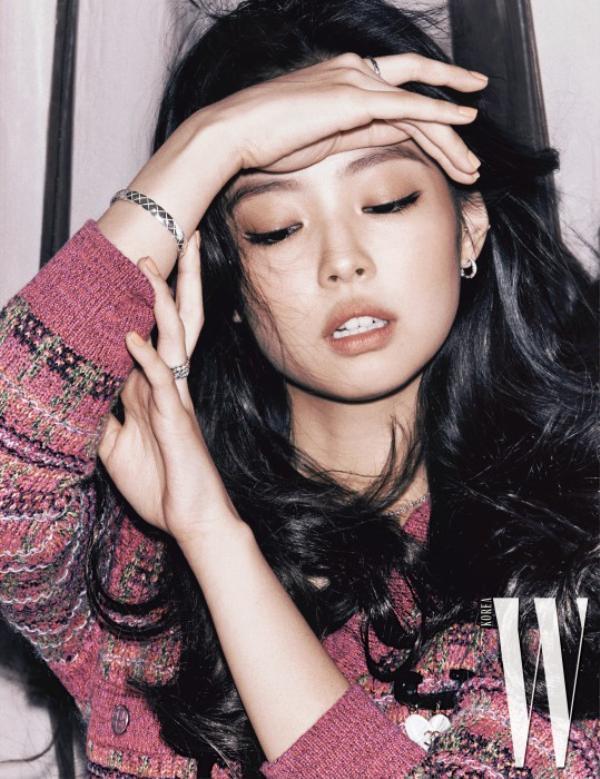 Những lần Jennie (Black Pink) xuất hiện trên tạp chí: Là vẻ đẹp nữ thần hay quá già dặn?