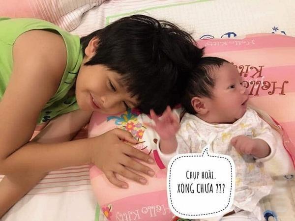 1001 biểu cảm cực ngông của cậu bé Tết vừa chào đời nhà nghệ sĩ Thanh Thúy  Đức Thịnh