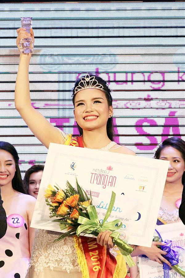 Được biết, Phương Linh từng đoạt giải Hoa khôi Nét đẹp Tràng An năm 2016.
