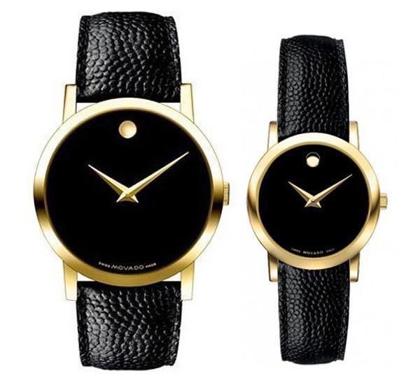Được biết, đây là bộ đôi đồng hồ đến từ thương hiệu Thụy Sĩ Movado và nó có mức giá không quá đắt đỏ, tầm 1000 USD - khoảng hơn 23 triệu đồng cho mỗi chiếc. So với cương vị người đứng đầu một quốc gia thì việc sử dụng chiếc đồng hồ này được xem là một điểm vô cùng giản dị, đáng yêu của cả hai, nhất là khi so với các món đồ đôi trăm triệu của nhiều cặp đôi khác.
