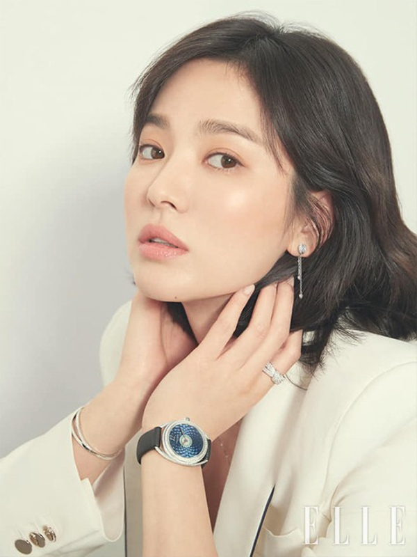 Song -Song ly hôn là sự thật khi Song Hye Kyo trả lời báo chí: Chuyện gì không thể giải quyết được thì hãy buông tay?