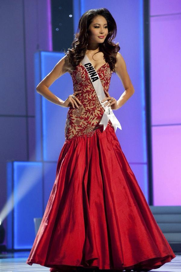 Á hậu 4 - Miss Universe 2011 người Trung Quốc - La Tử Lâm.