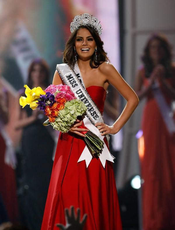 Cuối cùng chiếc vương miện đã thuộc về tay người đẹp Mexico.