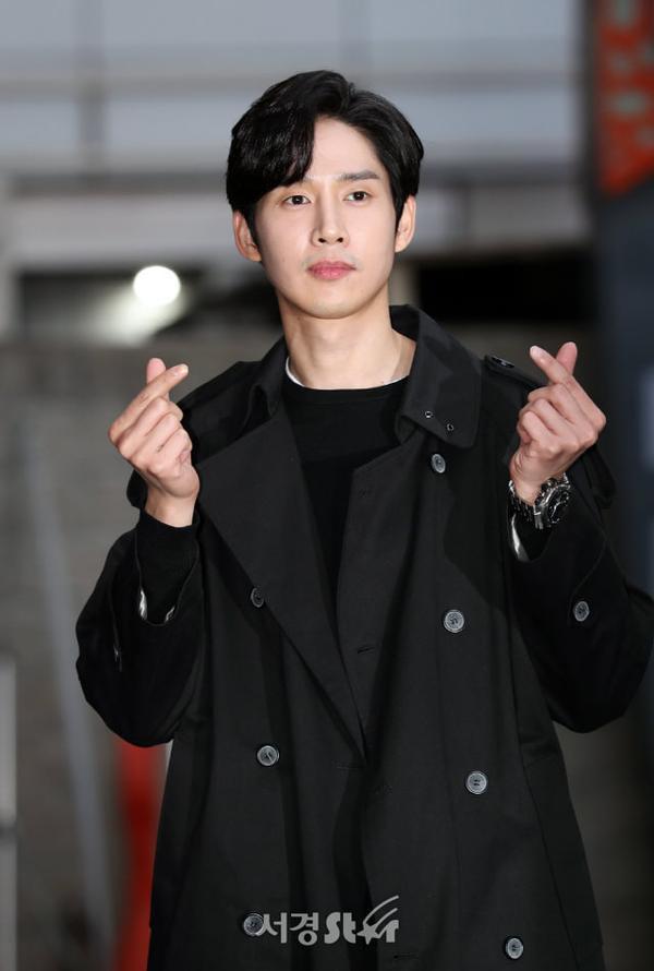 Park Sung Hoon - chồng Miran.