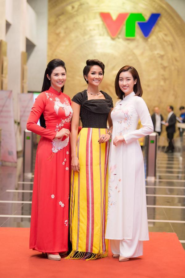 Mỹ Linh, Ngọc Hân, H'hen Niê - 3 tuyệt sắc giai nhân đọ sắc bên nhau