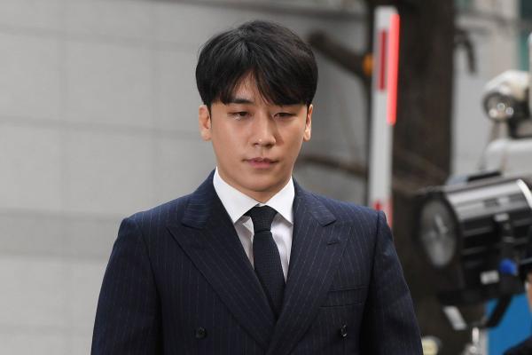 Seungri hiện đang là nhân vật bị chỉ trích nhiều nhất trong loạt scandal rúng động Kbiz những ngày vừa qua.
