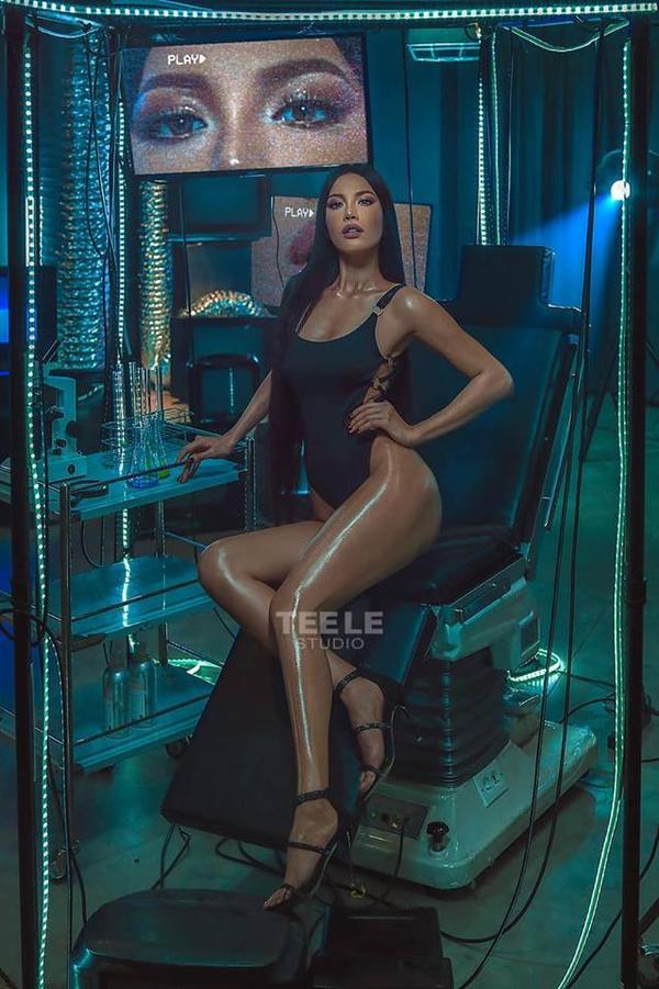 Hình ảnh mới nhất của Minh Tú với bikini
