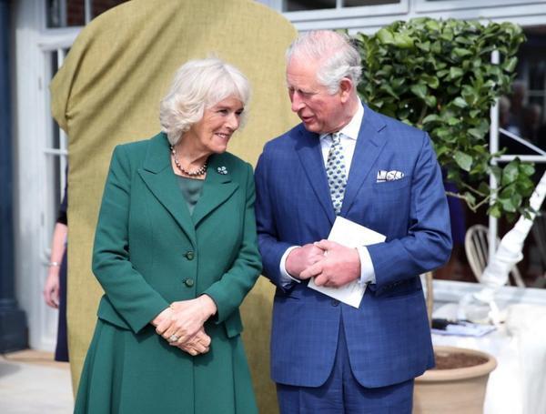 Thân vương Charles rạng ngời hạnh phúc bên người vợ thứ 2 nhân kỷ niệm 14 năm ngày cưới - Ảnh 2.