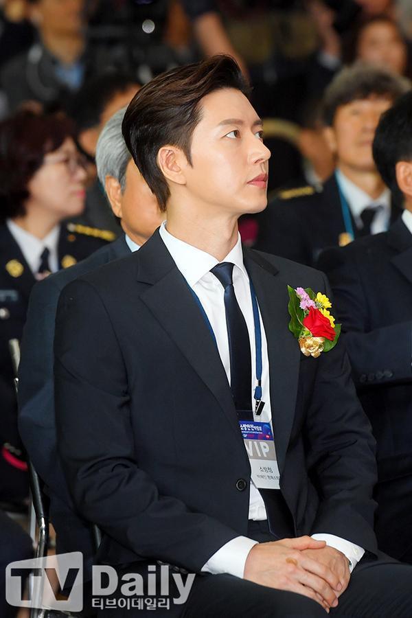Phim mùa hè: Nên xem dự án lãng mạn của Park Hae Jin hay hài kinh dị của Im Siwan  Lee Dong Wook?