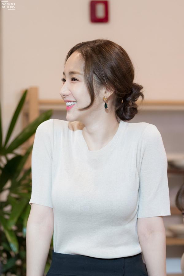 Bí mật nàng fangirl: Park Min Young chuẩn nữ thần, đẹp mọi khoảnh khắc bên Kim Jae Wook ảnh 14