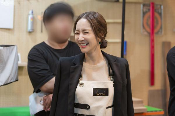 Bí mật nàng fangirl: Park Min Young chuẩn nữ thần, đẹp mọi khoảnh khắc bên Kim Jae Wook ảnh 15