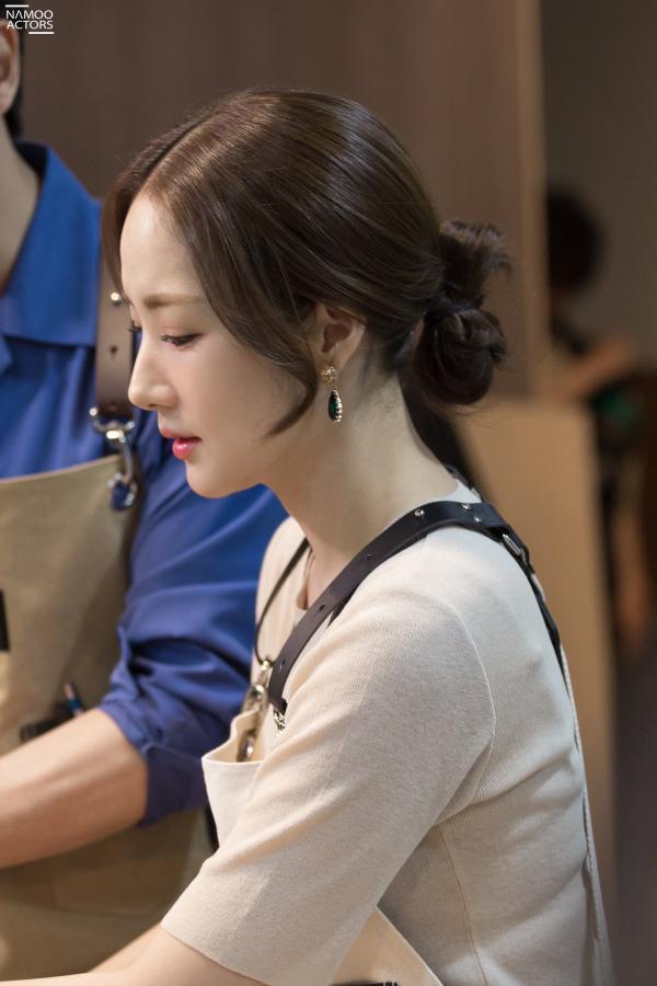 Bí mật nàng fangirl: Park Min Young chuẩn nữ thần, đẹp mọi khoảnh khắc bên Kim Jae Wook ảnh 16