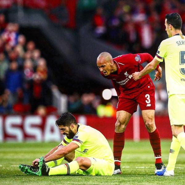 Pha làm bàn của tiền đạo trẻ giúp trận đấu này diễn ra vô cùng hấp dẫn.Bàn thua sớm giống như gáo nước lạnh giúp Barca bừng tỉnh. Họ chơi khởi sắc hơn và tạo ra không ít cơ hội nguy hiểm trước cầu môn Liverpool trong hiệp 1.