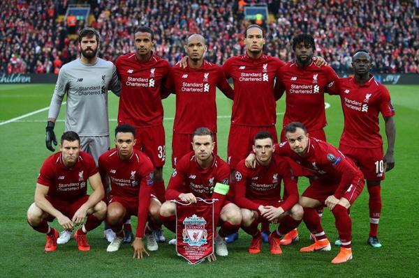 """Liverpool FC đã trải qua một trận đấu """"điên rồ"""" nhất ở mùa giải năm nay khi quật ngã """"gã khổng lồ"""" Barcelona với 4 bàn. Qua đó hiên ngang bước vào trận chung kết Champions League với chiến thắng 4-3 sau hai lượt trận của vòng bán kết."""