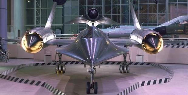 9 phi cơ có hình dạng dị thường