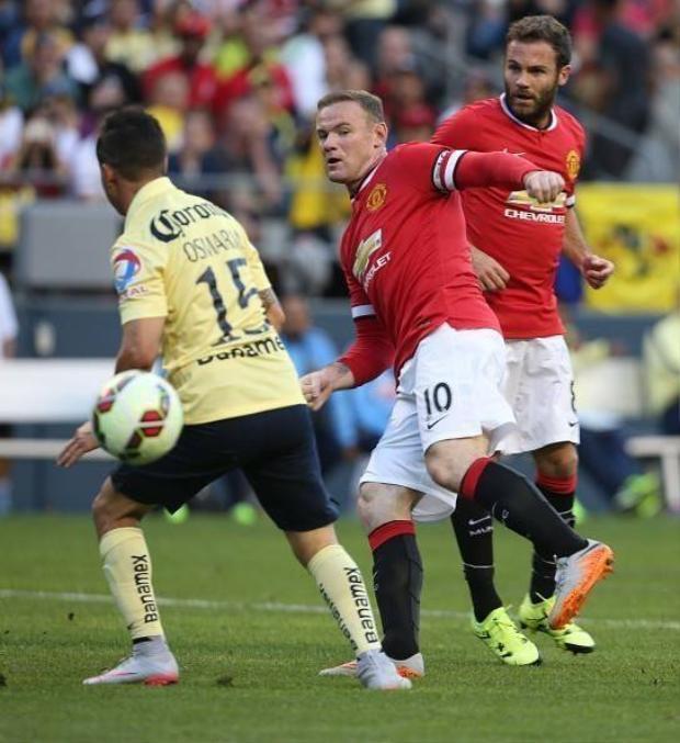 M.U và sơ đồ 4-3-3 với Rooney đá trung phong