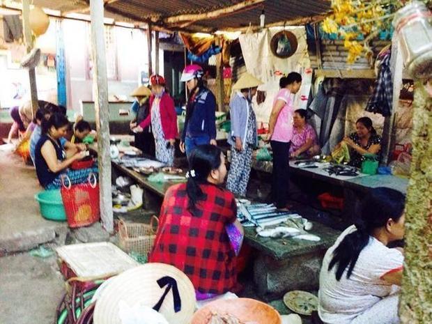 Chợ cá tử thần bên phá Tam Giang