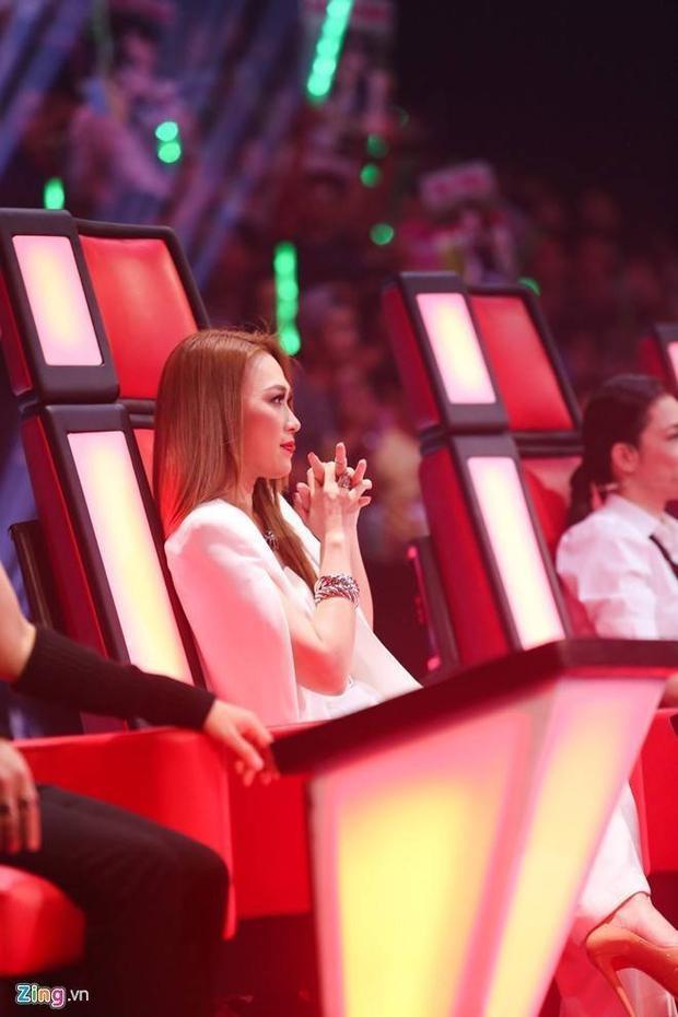 Khoảnh khắc Mỹ Tâm vui buồn trên ghế nóng The Voice