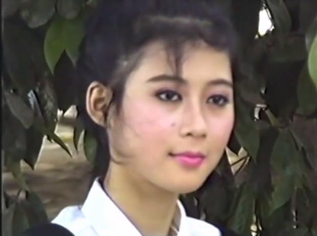 Clip hậu trường chụp ảnh của Diễm Hương năm 1990 gây sốt