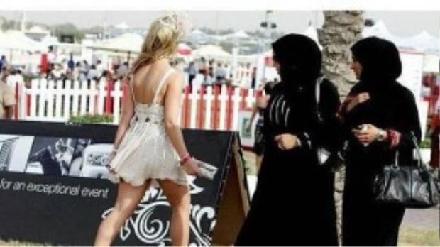 Sự khác biệt giữa phụ nữ phương Tây và phụ nữ Hồi giáo