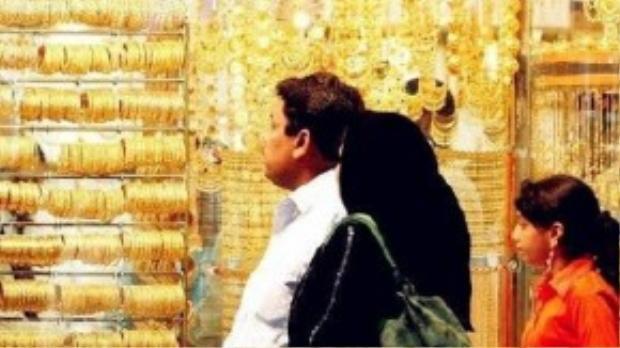 """Đàn ông Dubai rất hào phóng với vợ nhưng cực kỳ coi trọng """"nam quyền"""""""
