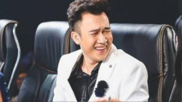 Dương Triệu Vũ bối rối khi xem phần biểu diễn đầy da diết.