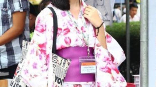 Nữ sinh Đà Nẵng duyên dáng trong trang phục truyền thống của Nhật Bản.
