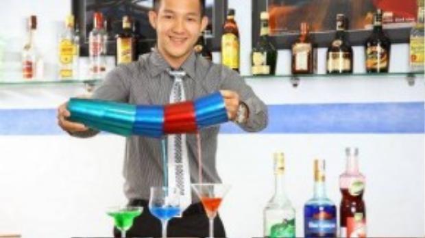 Được biết hiện tại Trung Trương (1983) đang làm giảng viên trường quản lý khách sạn Việt- Úc.
