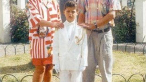 Cha anh mất khi còn khá trẻ phần nào là nguyên nhân nỗi sợ chết trẻ của Ronaldo.