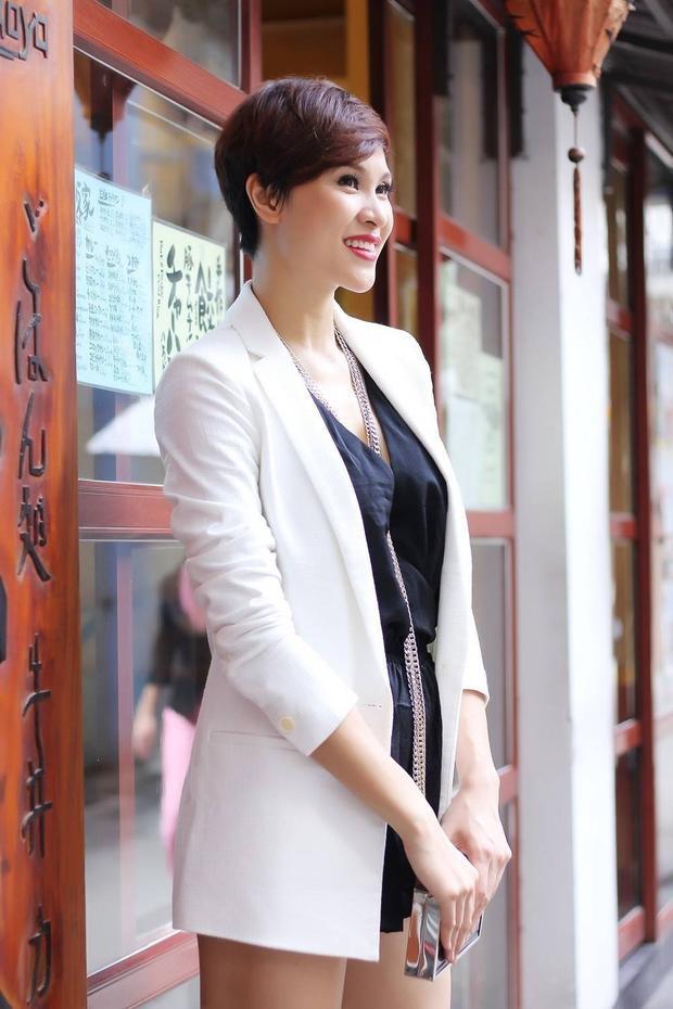 Phương Mai khoe style chất lừ trên phố Nhật