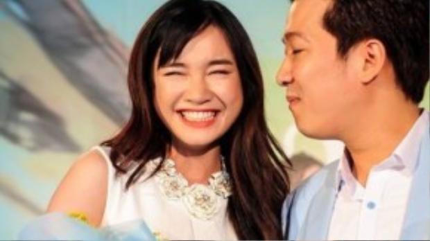 Những khoảnh khắc tình cảm của Trường Giang và Nhã Phương trong buổi ra mắt bộ phim 49 ngày.
