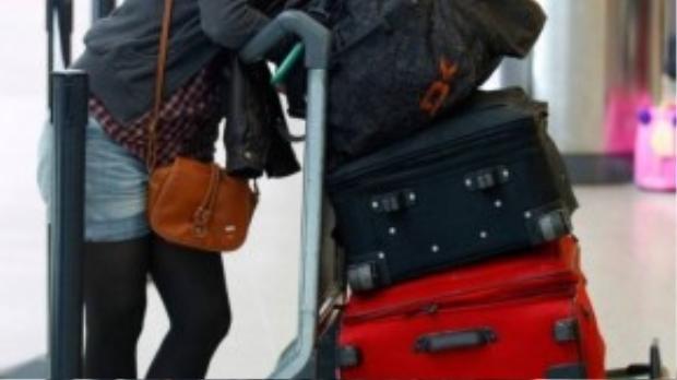 """Những người """"đòi quà"""" chắc không biết rằng hành lý ký gửi thì có giới hạnvà người trở về phảitay xách nách mang vất vả ra sao, chưa kể qua bao lần quá cảnh. Ảnh minh họa"""