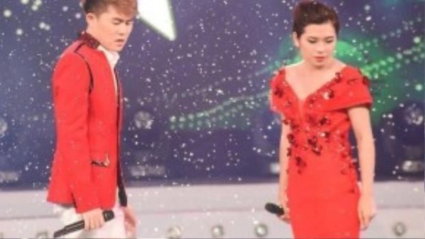 """Anh song ca cùng Nguyễn Thị Kiều Oanh ca khúc """"Anh"""" (sáng tác Xuân Phương) được Hồ Quỳnh Hương thể hiện khá thành công."""