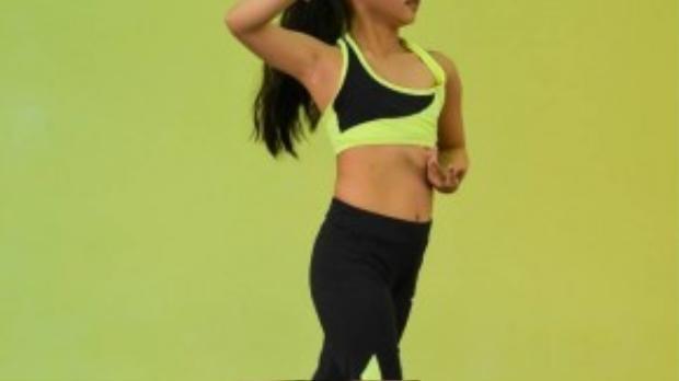 Thu Trang, thí sinh đội của Thủy Tiên và Lâm Vinh Hải sẽ trình diễn thể loại khiêu vũ - thể thao trên nhạc nền một ca khúc đang rất hot của làng nhạc thế giới.