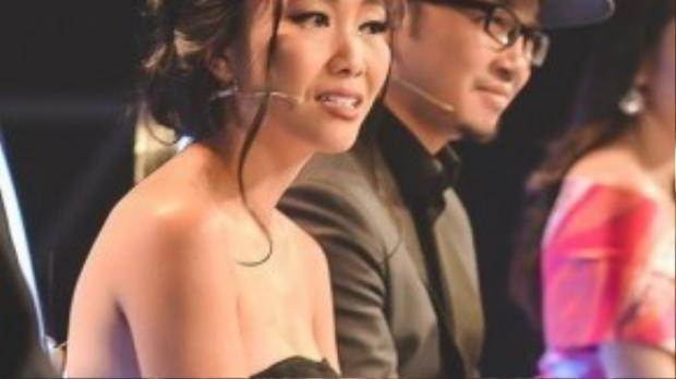 Đoan Trang bật khóc khi chứng kiến sự tiến bộ của thí sinh nhỏ.