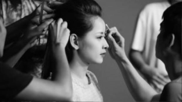 """Năm 2014, diễn xuất của Chi Pu ngày càng được công nhận với những vai diễn thành công trong film điện ảnh: Thần tượng, Hương Ga, Chung cư ma. Hai phim ngắn """"My Sunshine"""" và """"Cô gái trên tầng thượng"""" do chínhChi Pusản xuất và đảm nhận vai chính đã ra mắt và nhận được những phản hồi tích cực."""
