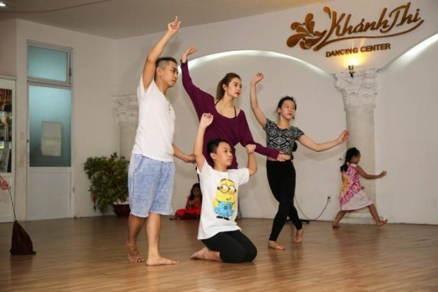 Đặt các thí sinh lên bàn cân trước thềm chung  kết Bước nhảy hoàn vũ nhí