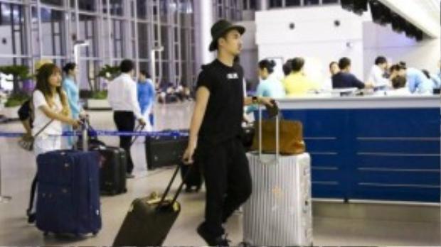 Nhà thiết kế Lý Quí Khánh luôn đồng hành cùng Hồ Ngọc Hà trong các chuyến đi gần đây.