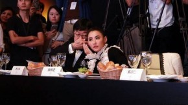 Trương Bá Chi ở hàng ghế ban giám khảo.