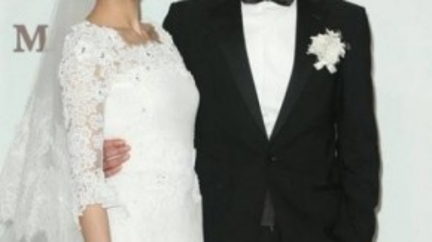 Cao Viên Viên hạnh phúc trong ngày cưới.