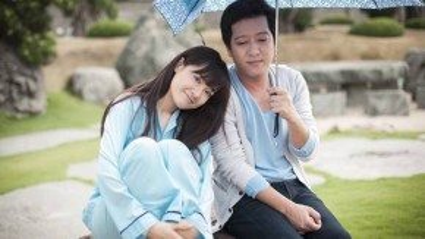 Những hình ảnh tình cảm của Trường Giang và Nhã Phương không khỏi khiến nhiều người ghen tị.