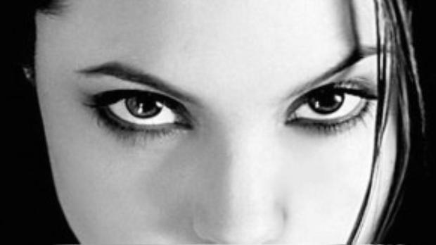 Angelina năm 20 tuổi khi đang là người mẫu.