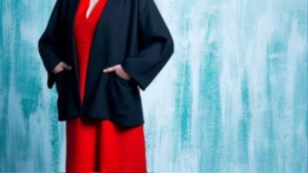 Trang phục minimal với phom dáng đơn giản, đường may tinh tế làm toát lên một sức hút đặc biệt.