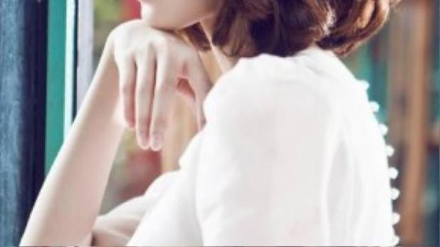 Hoa hậu Đặng Thu Thảo sở hữu vẻ đẹp trong sáng và cuốn hút.